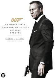 James Bond - Daniel Craig...