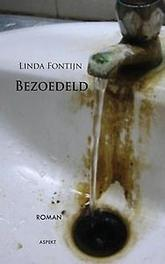Bezoedeld Fontijn, Linda, Paperback