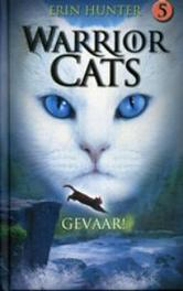 Gevaar. Warrior Cats, Erin Hunter, Hardcover
