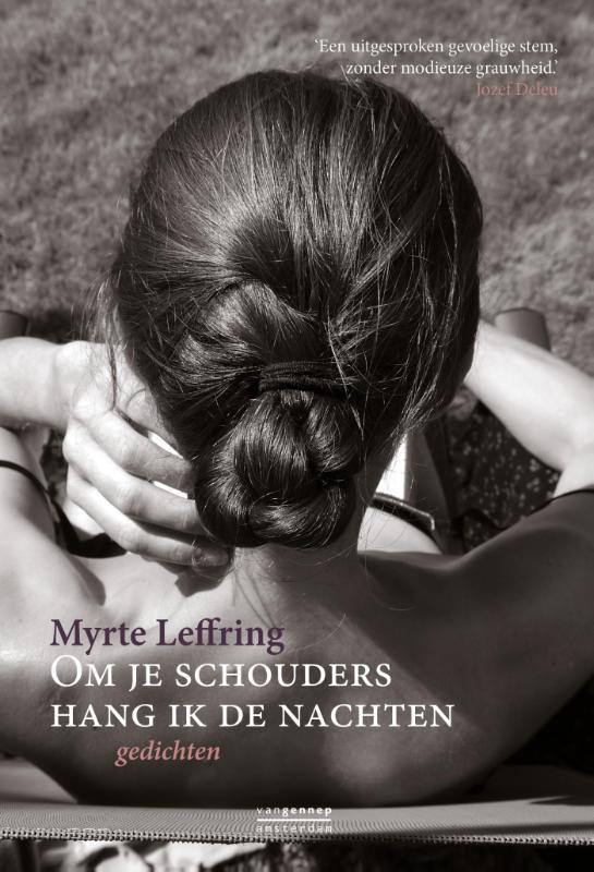 Om je schouders hang ik de nachten Myrte Leffring, Paperback